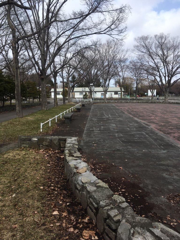 農試公園 広場