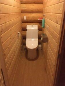 きつつきカナディアンクラブ トイレ内装