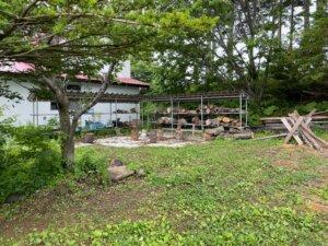 泉郷別邸 キャンプ場 薪割りコーナー