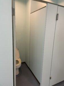 滝里湖オートキャンプ場 水洗トイレ2